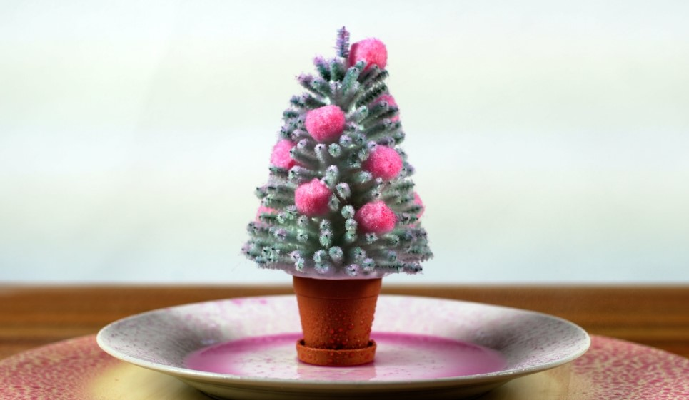 Model Christmas tree after its acid-base reaction